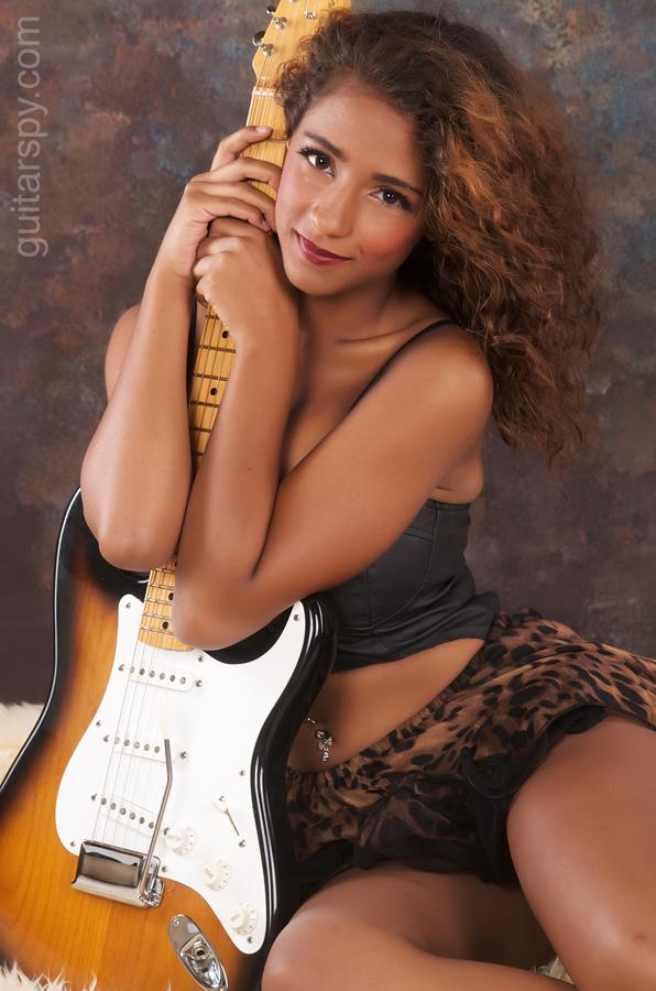Alona Cherie