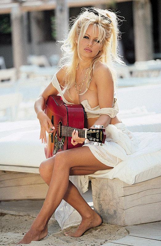 Pamela Anderson 🔞
